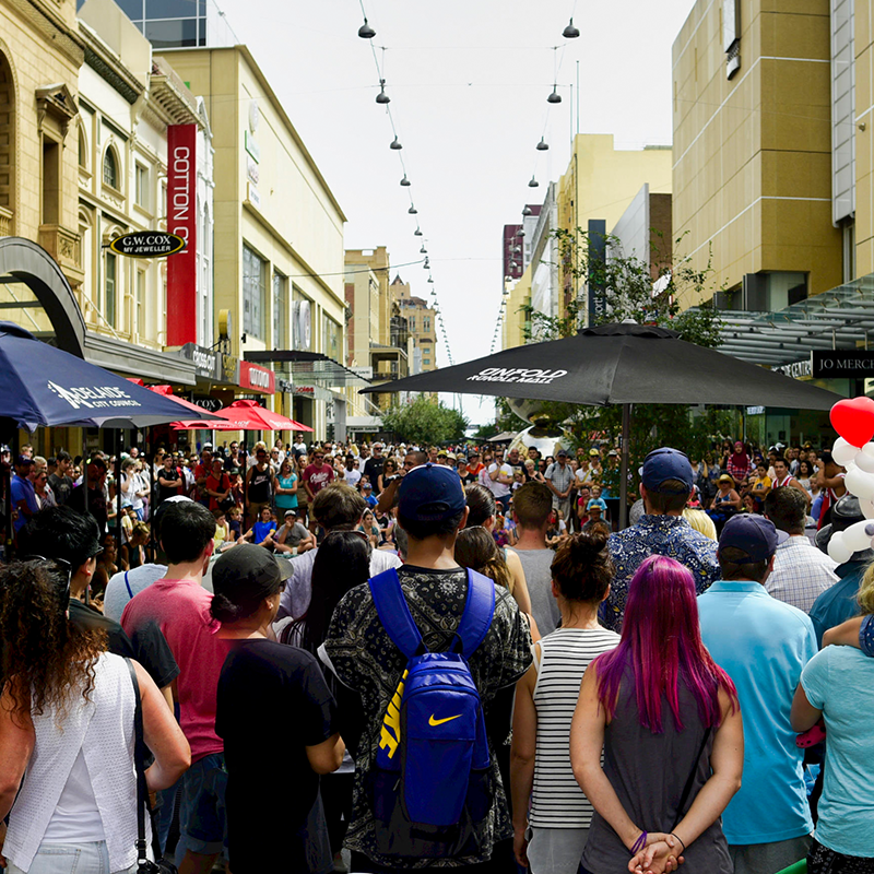 Scaled unfold fringe in rundle mall