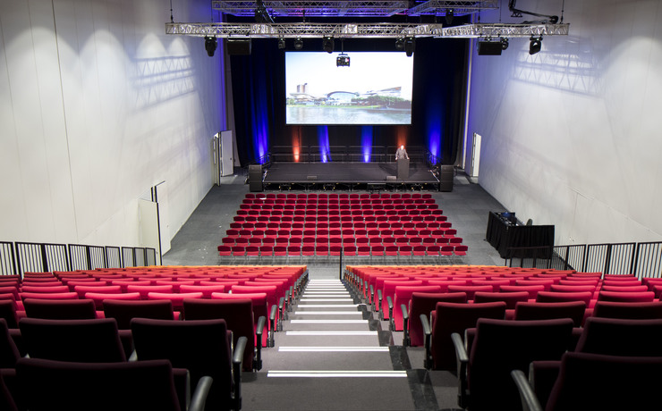 Scaled apollo theatre   tiered and theatre flat floor seating